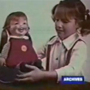 Boneca assustadora da década de 90