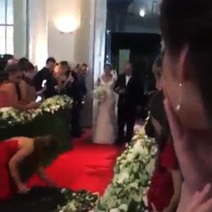 Amiga desastrada em casamento