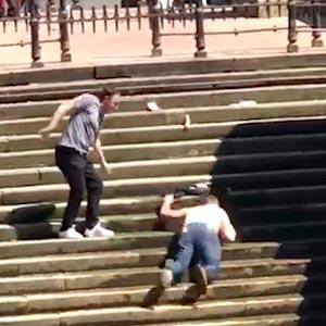 Novo jeito de descer escada