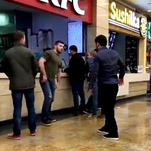 Dois idiotas no shopping